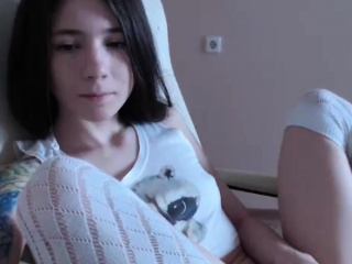 Horny Girl On Cam Masturbating